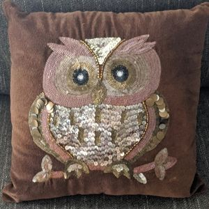 PIER ONE BROWN  SEQUINED OWL ACCENT PILLOW